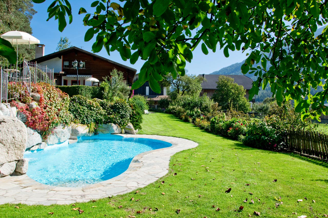 Garten Pool apartments with swimming pool and children s pool in the pusteria valley